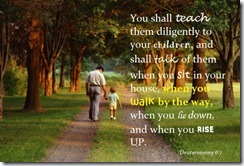Deur father-and-child-walking-deuteronomy-6-7