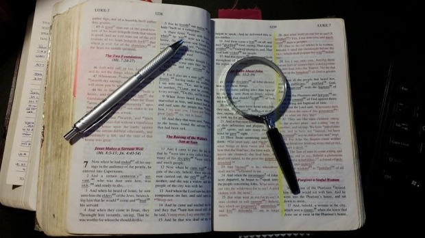 Charles-Bible-pen-glass-11.jpg